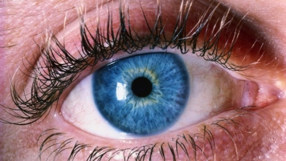 Dry, Itchy eyes?  Blame the Screens