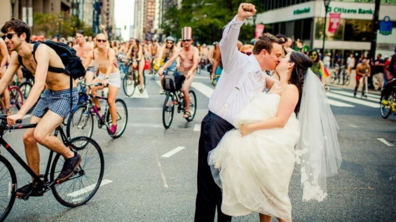 Newlyweds Join Nude Bicyclists for Wedding Photos