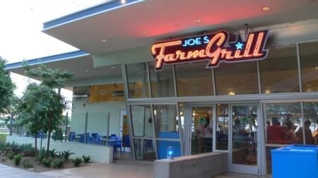 Joe's Farm Grill Review