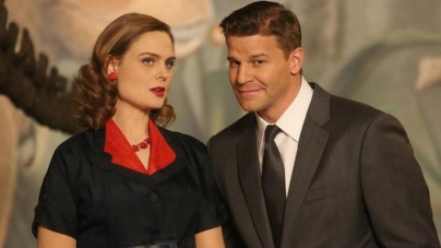 Bones stars Emily Deschanel and David Boreanaz sue Fox for 'tens of millions'