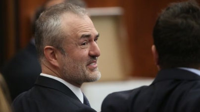 Gawker dot com to Shut Down Next Week