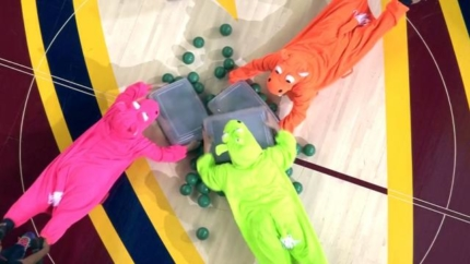 Best in-game contest ever! 'Hungry Hungry Hippos'… with Humans
